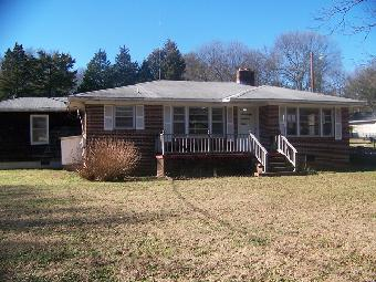 110 Fork Shoals Rd, Greenville, SC photo