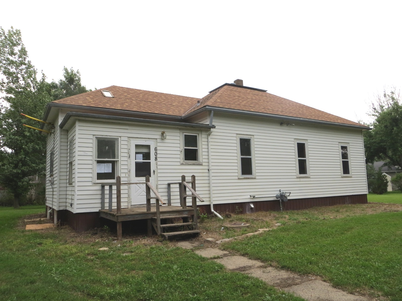 608 S Garfield St, Lennox, SD photo