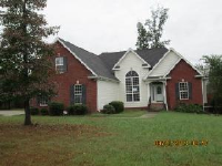 512 Red Fox Drive, Burns, TN 37029